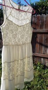 Dresses & Skirts - 🌼Cream colored dress🌼